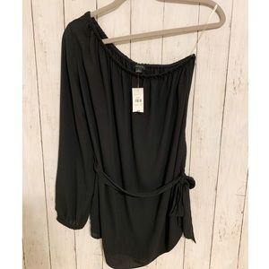 ANN TAYLOR one-arm long sleeve black blouse